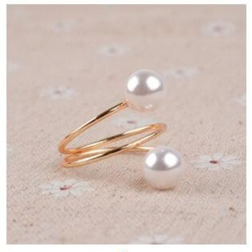 Gold Simulated of High Quality Pearl Jewelry Ring