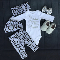 Baby Girls Coming Home Outfit Set,Girls leggings,Hat,Headband,Gray with Black Love Print,Baby Girls Leggings,
