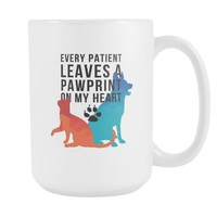 Vet cup - WhiteEvery patient leaves a pawprint