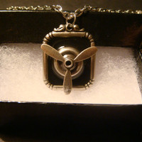 Steampunk  Moveable Propeller Necklace (998)
