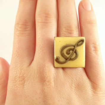 Sol Key Resin Ring, Musical Jewelry, Yellow Resin Ring