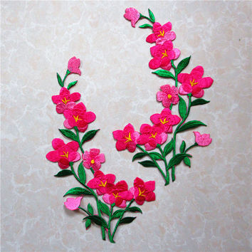 Free Shipping 1 Pair Clothing embroidery flower patch Embroidered Iron On Patches Sticker Garment Appliques DIY Accessory A162