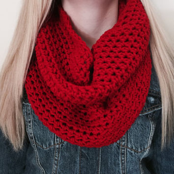 Chunky Infinity Scarf, Thick Crochet Bulky Winter Scarf, Loop Scarf, Circle Scarf, Cherry Red Neckwarmer