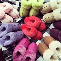 UGG sells fashionable and casual ladies pure velvet slippers and sandals-1