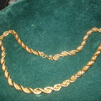 Vintage Gold Tone Rope Chain Necklace