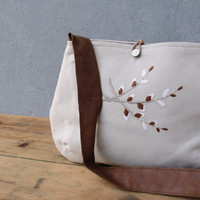 Christmas Sale - The Embroidery Lover Purse - Linen, Embroidery and Leather Strap