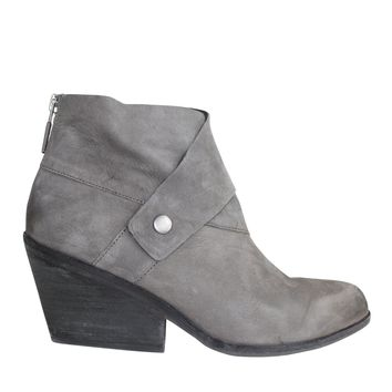 Mid-Heel Ankle Boot