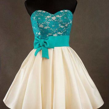 Cute Lace Homecoming Dress with bowknot Short Evening Dress