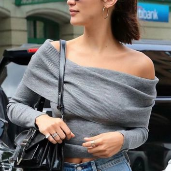 Sexy a shoulder - over and slim sweater
