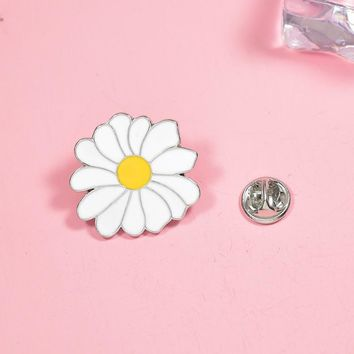 Trendy Flower Brooches Small Daisy Enamel Pin for Girls Lapel Pin Hat/bag Pins Denim Jacket Shirt Women Brooch Badge Q601 AT_94_13