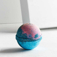 Adorn Bath Bomb | Urban Outfitters