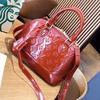 LV Louis Vuitton Fashion new wild handbag shell bag shoulder messenger bag