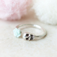 Mint Rose and Skull ring in sterling silver