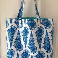 Lilly Pulitzer for Estee Lauder Canvas Beach (Blue Seashell) Tote Bag