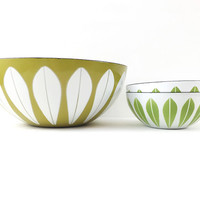 "Pair of 5.5"" Cathrineholm Enamel Lotus Bowls in Green / Set of 2 / Vintage Scandinavian Design / Norway / Mid Century Modern Decor"