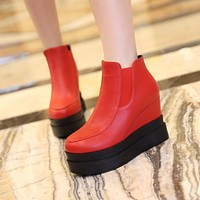 Fashion Women Ankle Boots for Autumn and Winter New Arrival Pu Leather 2964