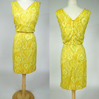 1960s yellow paisley dress, sleeveless mid century casual shift party dress, California Sophisticates, Large, size 10