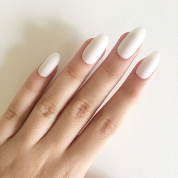 Matte white oval nails, hand painted acrylic nails, fake nails, false nails, stick on nails, nail art, artificial nails