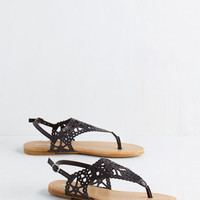 Engagement Picnic Sandal in Noir