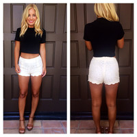 Lace Lovers Scallop Shorts - IVORY