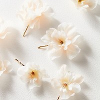 Rock N Rose Franny Flower Hair Pins | Urban Outfitters