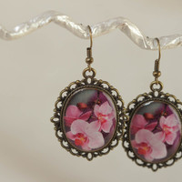 Handmade vintage earrings made of glass glaze with metal fittings and fittings