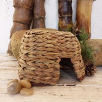 Natural Willow and Grass Pet Nest for Guinea Pigs