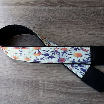 Flowers  Camera Strap. Daisies Camera Strap. For Her. Gift For Women. DSLR Camera Strap.  Camera Accessories