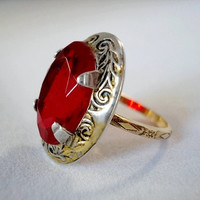 Vintage Art Deco Etched Silver & Ruby Red Ring by FlossysTreasures