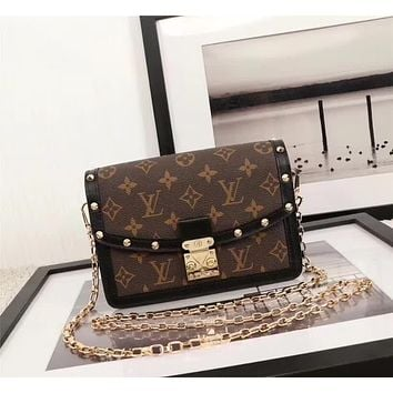 LV Louis Vuitton OFFICE QUALITY MONOGRAM CANVAS INCLINED CHAIN SHOULDER BAG
