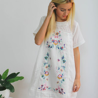 Vivian Embroidered Dress (White)