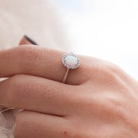 White Australian Opal Ring, Oval Opal ring, Solid Gold 14k ,Opal Engagement Ring, Birthstone Ring