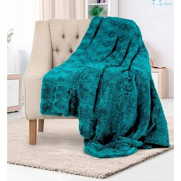 Everlasting Comfort Luxury Faux Fur Throw Blanket | Soft, Silky & Lightweight for Couch, Comforter & Bed | Indoor Home Decor | Full Size for Adults & Teen, Men & Women | 50' x 65'