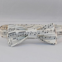 Cream Colored Music Note Themed Men's Bowtie