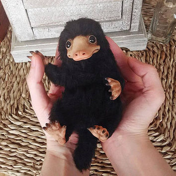 PRE-ORDER - Niffler from Fantastic beasts and where to find them poseable art doll
