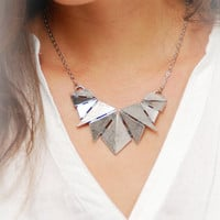Silver Geometric Necklace. Stylish Silver Color Necklace. Nice Geometric necklace. Delicate Jewelry.