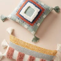 Tufted Rayas Pillow