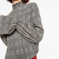 CHECKED JACQUARD TOP DETAILS