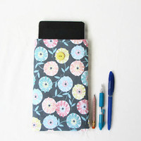 Floral Kindle case, 7 inch tablet sleeve, fabric kindle cover, suitable for nexus 7, kindle touch, paperwhite or fire, handmade in the UK