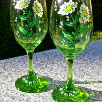 Painted Wine Glasses With Daisies And Crystal Wine Charms Valentine's Day Gift