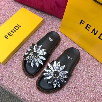 Fendi Flower fashion slippers