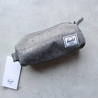 Herschel Supply co. - Settlement Pencil Case in Raven Crosshatch