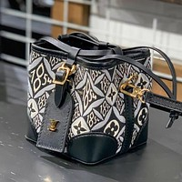LV 2020 new women's mini drawstring bucket bag shoulder messenger bag