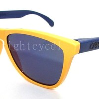 Authentic OAKLEY Aquatique Frogskins Sunglasses 24-362 *NEW*