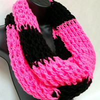 Crochet Infinity Scarf: Pink and Black
