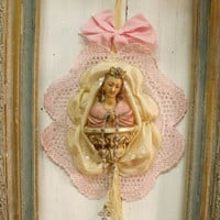 Vintage Virgin Mary with rhinestones crown wall decor Rosary Pink lace kitsch Madonna shabby chic french ornamented statue