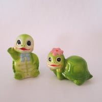 Turtle Salt and Pepper Shakers 1970's anthropomorphic cute kitsch kawaii pink lime green pastels Easter spring