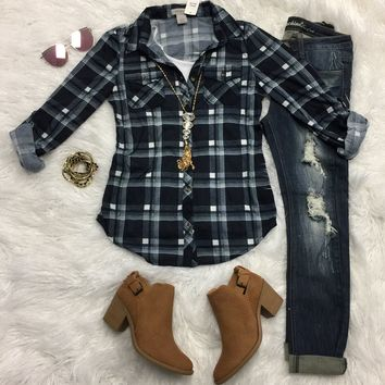 Penny Plaid Flannel Top: Navy/White