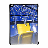 Lively And Attractive Girl iPad Air Case