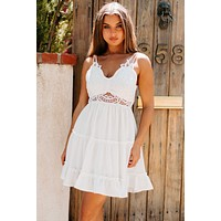 Creative Vision Lace Tie-Back Ruffled Dress (White)
